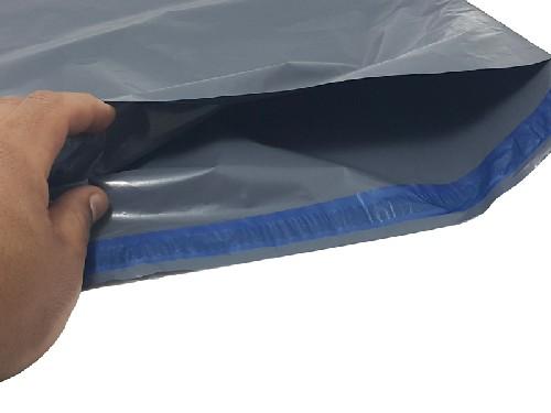 envelope com lacre de plástico