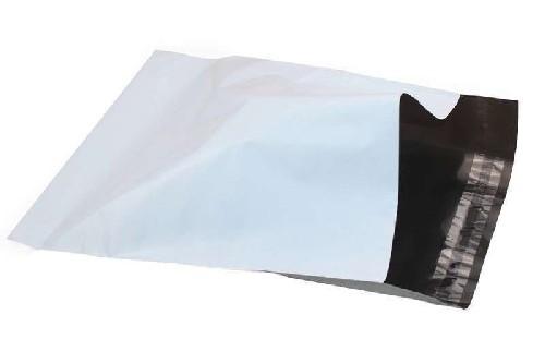 envelope de plástico com lacre adesivo